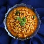 Imli Chole!( sweet and sour Chickpeas/Garbanzo bean/Chana curry)