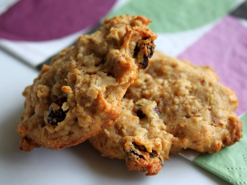 Delicious and easy oatmeal raisin almond butter cookies with cardamom. These cookies make a great, healthy snack or treat any time of the day. Vegan Recipe. #veganricha #vegan