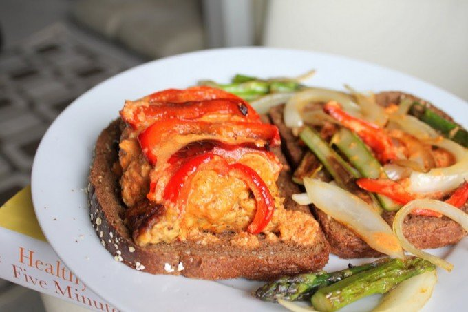 Jamaican Jerk Tempeh and creamy Red Bell pepper mayo Sandwich! Vegan