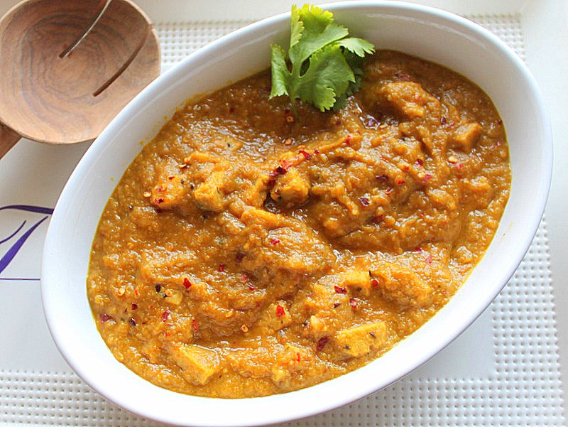 Mango Curry Tempeh. Restaurant Curries In Your Kitchen. A delicious, easy and flavor packed curry made with tempeh and spices. Vegan and Gluten Free Recipe.#glutenfree #veganricha #vegan