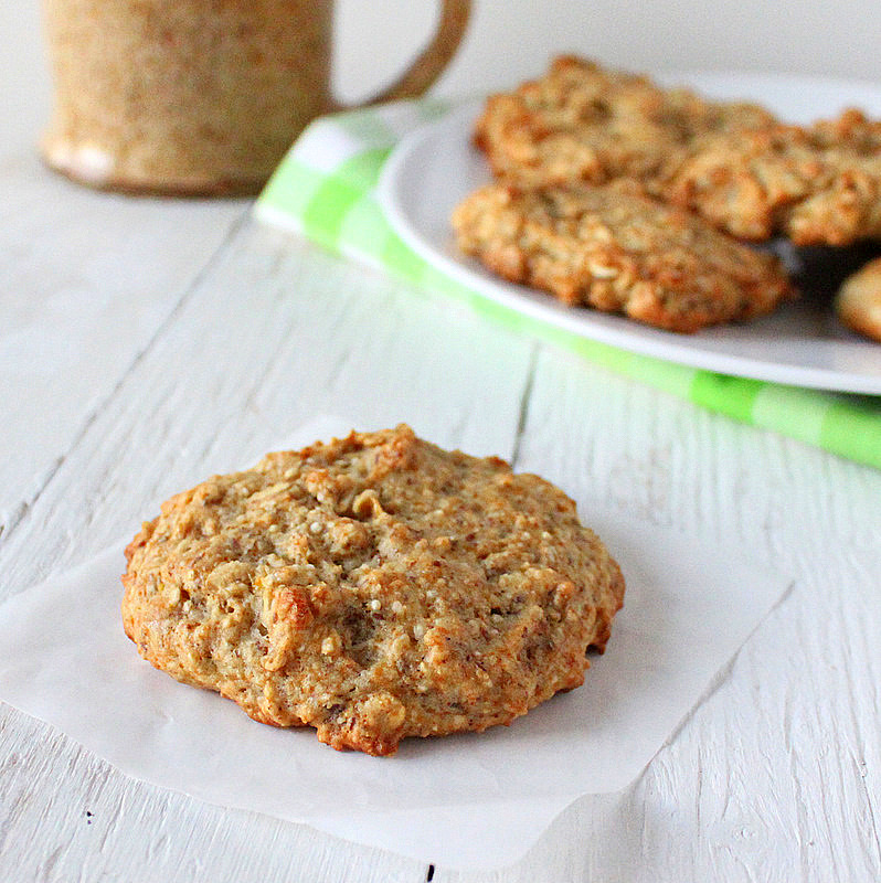 Banana Oatmeal Quinoa Raisin Muffin top cookies. vegan - Vegan Richa
