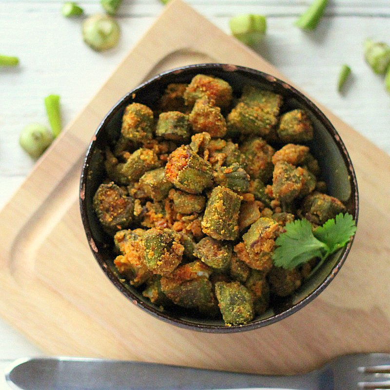 Bhindi Zunka (Okra cooked with chickpea flour and spices). Delicious, crispy okra that makes a great snack or appetizer. Vegan and Gluten Free Recipe. #glutenfree #veganricha #vegan