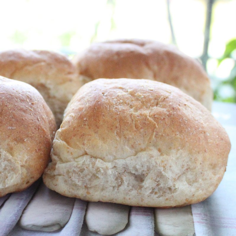 Fluffy White Dinner Rolls (burger buns). An easy recipe for fluffy, soft and light dinner rolls. Great as a side, with burgers or your favorite sandwich filling. Vegan Recipe.  #veganricha #vegan