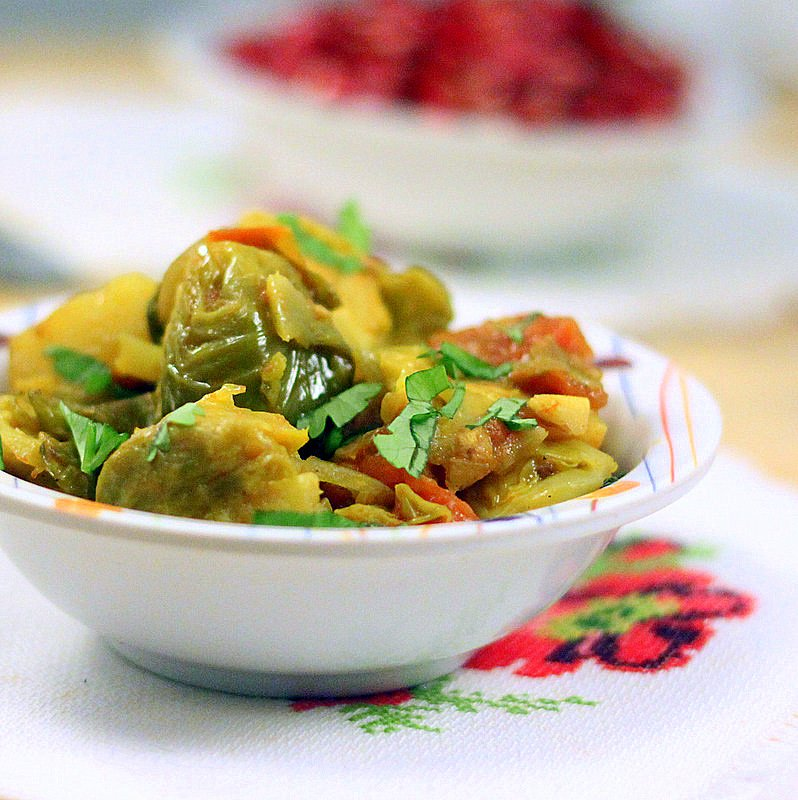 Brussels sprouts and potato in tomato gravy. A delicious, healthy and delicious dish. Vegan and Gluten Free Recipe. #glutenfree #veganricha #vegan