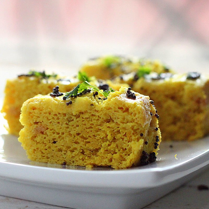 Khaman dhokla chickpea flour steamed savory snack cakes khaman dhokla chickpea flour steamed savory snack cakes glutenfree vegan forumfinder Images