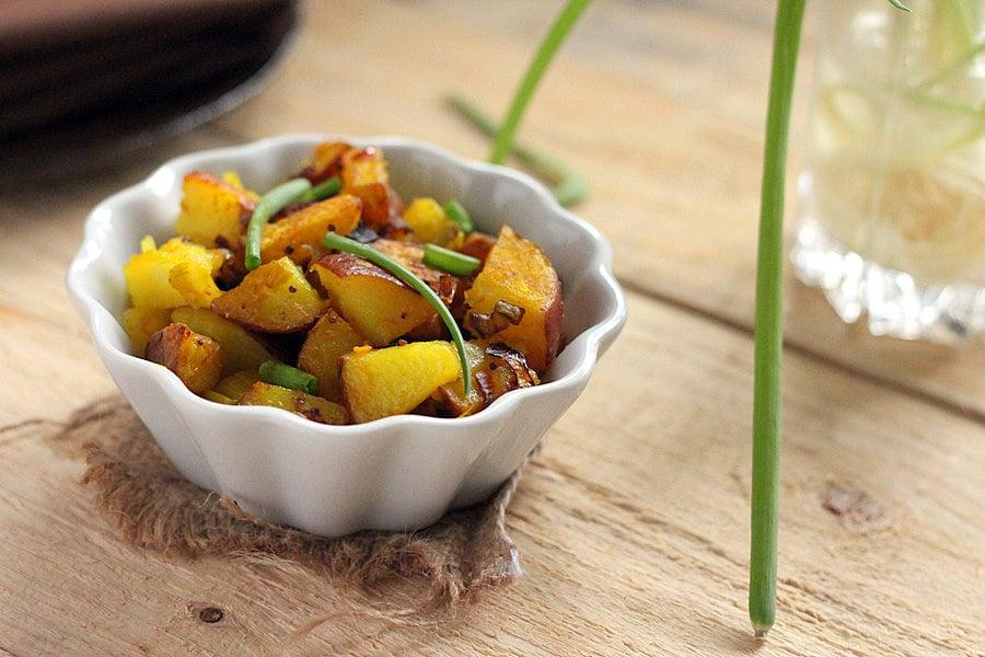 Potato Leek Subzi with fennel and mustard seed #vegan #glutenfree #potato #Indian | http://veganricha.com