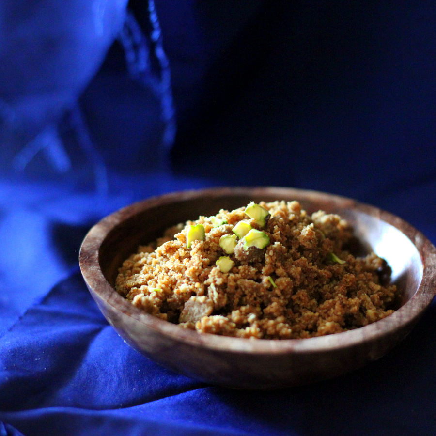 These Oil-free Wheat laddoo are soft and delicious. Make them with any other whole grain flour or make Atte ka Choorma crumble. Vegan Indian Sweet | http://veganricha.com #vegan #dairyfree #Indian