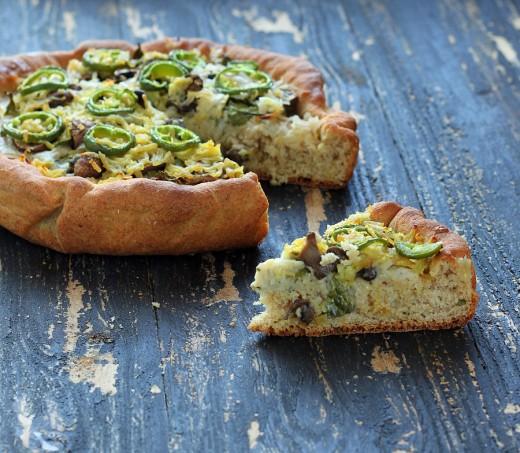 Deep Dish Cheddar Jalapeno Popper Pizza with White garlic sauce, Mushrooms, Kale, Cheddar on Semolina Wheat crust. vegan recipe