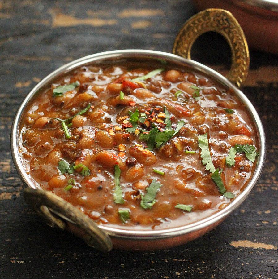Black Eyed Pea and Mung Bean Stew