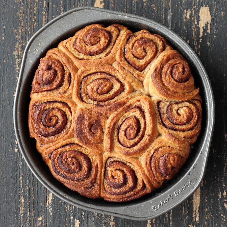Vegan Cinnamon rolls Buns
