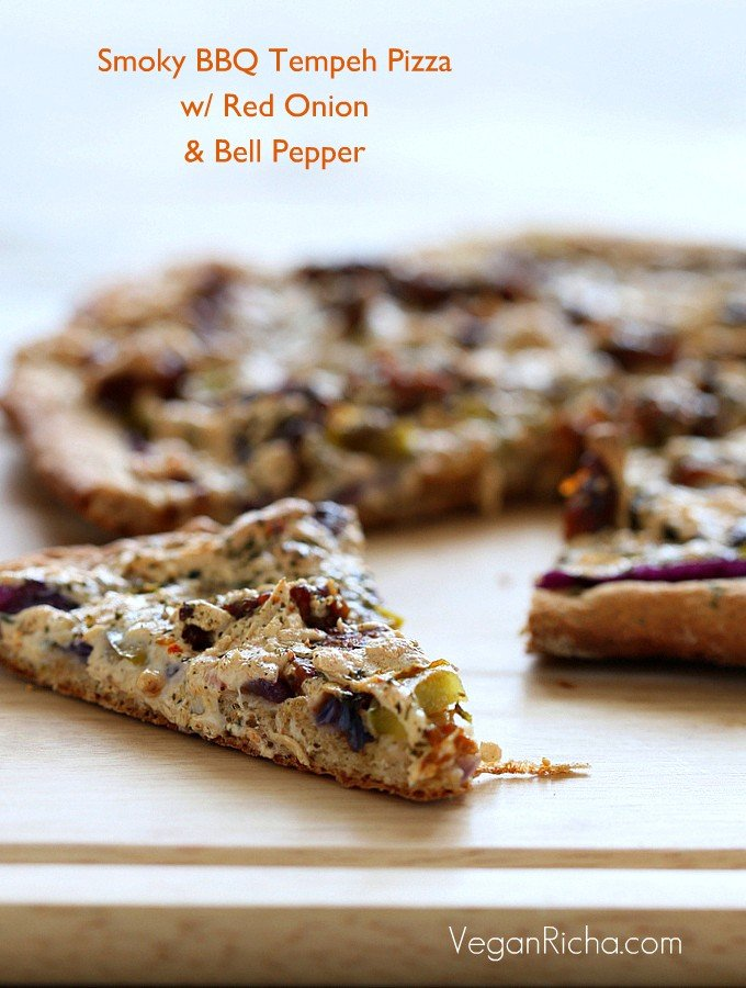 bbq-sauce-tempeh-pizza-097-001