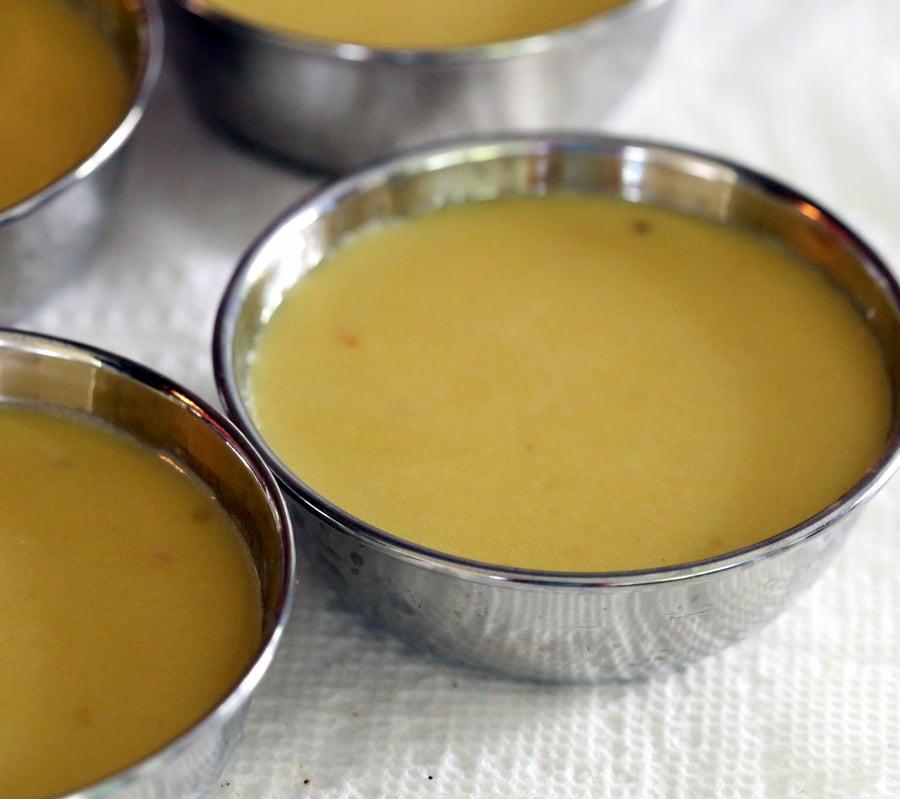 Kesar Kulfi Recipe - Saffron Cream Popsicles. Vegan Kulfi with saffron, coconut milk, cashews and starch | VeganRicha.com #vegan #dairyfree #kulfi