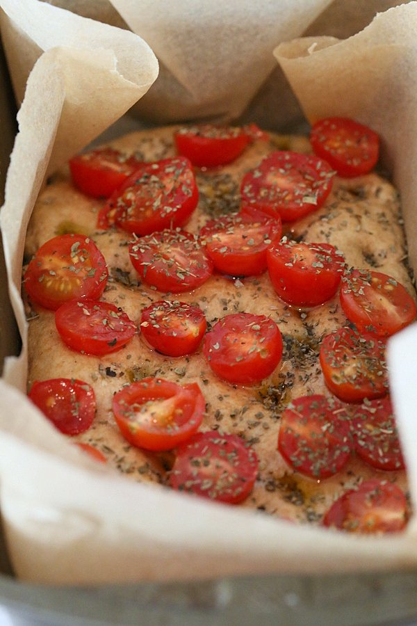 100% Whole Grain Tomato Basil Focaccia. Whole Wheat Tomato Basil Foaccia bread Recipe. Use other herbs like rosemary or thyme | http://veganricha.com #vegan #bread #focaccia