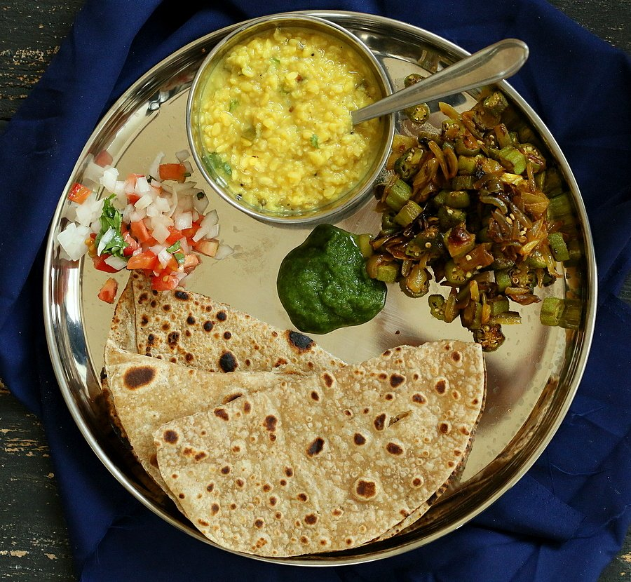 Okra and Onion stir fry. Pyaaz Waali Bhindi