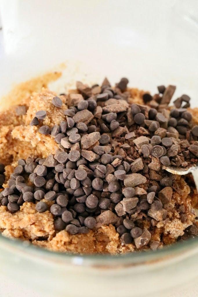 Giant Vegan Chocolate Chip Cookie | https://veganricha.com #vegan #cookie #chocolatechip #holiday