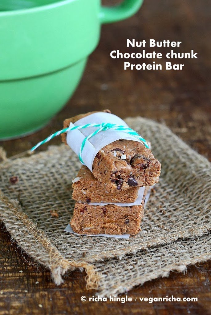 Almond-Chocolate-Protein-Bar-8150