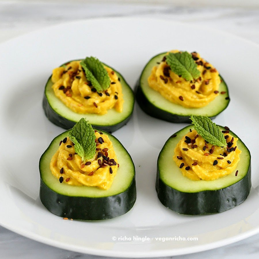 Cucumber hummus sesame seed mint appetizer bites vegan for Gluten free canape