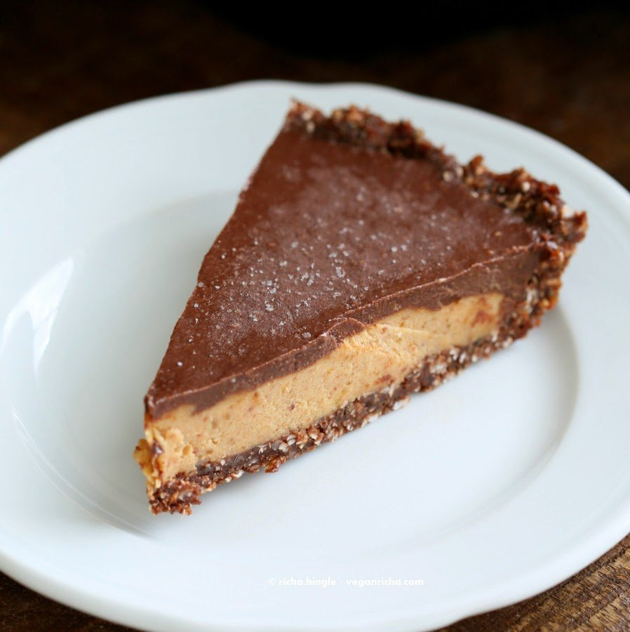 Vegan Salted Caramel Pie - layers of Salted Date Caramel, Chocolate Ganache and Almond Chocolate Crust. No Bake #Glutenfree #vegan #palmOilFree | VeganRicha.com