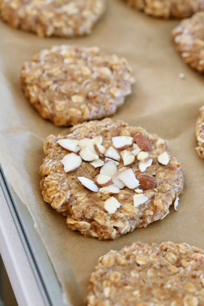 These Vegan Gluten-free Almond Butter Oatmeal breakfast cookies are oil-free, easy and come together quickly for a snack or breakfast. Gluten-free oil-free | VeganRicha.com