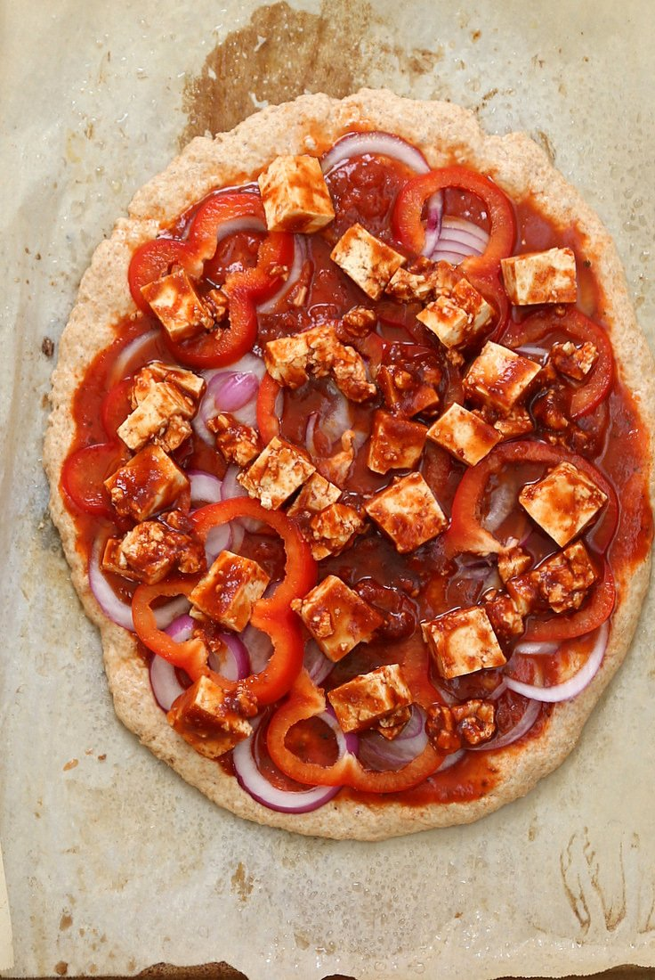 Sriracha BBQ Tofu Pizza with Pepper Jack. Quick Vegan Pizza with a one rise Thin Spelt Crust, topped with Tofu marinated in bbq and sriracha sauce, loaded with Almond milk cheese. | VeganRicha.com #vegan #pizza