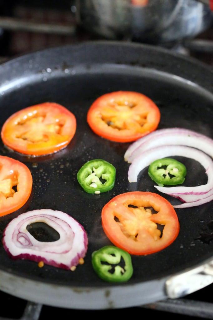 chickpea omelette onion tomato3244