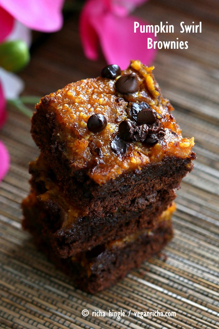 Vegan Pumpkin Brownies. Creamy Pumpkin Layered with Fudgy Dark Chocolate Brownie. Pumpkin Pie + Brownie | Vegan Richa