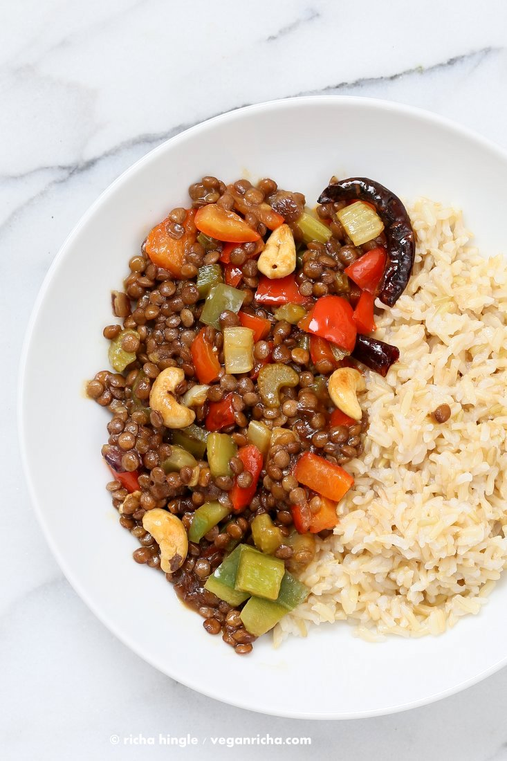Spicy Kung Pao Lentils with a delicious kung pao sauce, veggies and cooked lentils. Easy 30 minute weeknight dinner |Vegan Richa