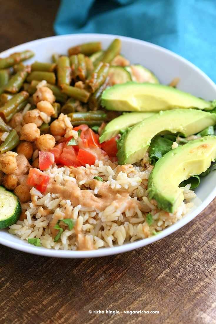 Easy Masala Chickpea Bowl with Green beans, brown rice & Chana masala spice cream Sauce | Vegan Richa