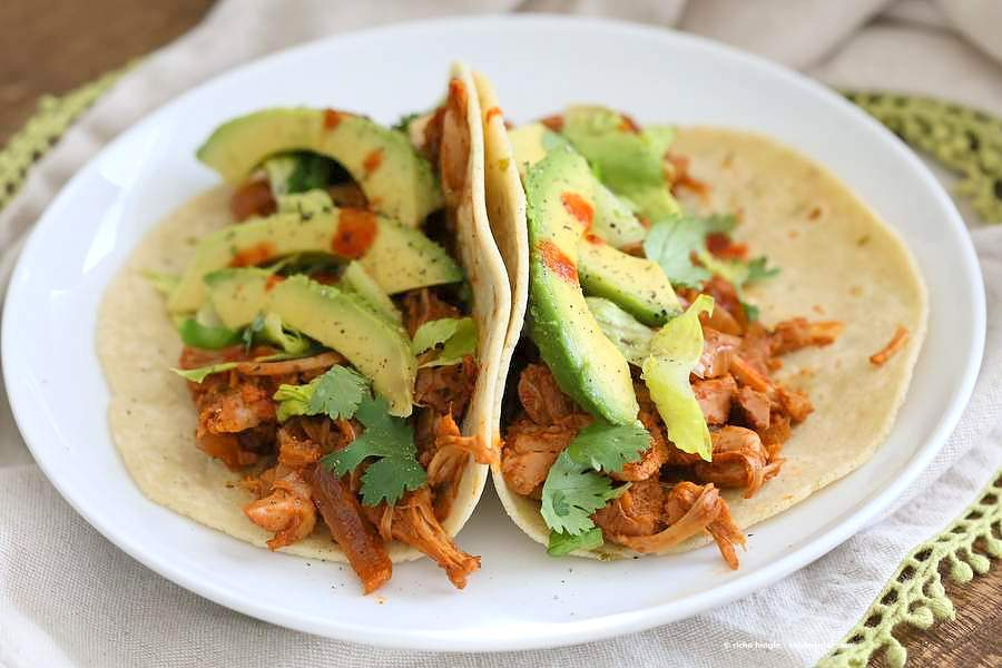 Spicy Chipotle Garlic Jackfruit Tacos | Vegan Richa #vegan #jackfruit #tacos