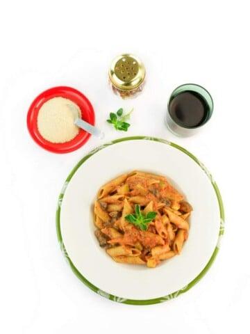 One Pot Vegan Vodka Sauce Pasta #glutenfree #veganricha #vegan