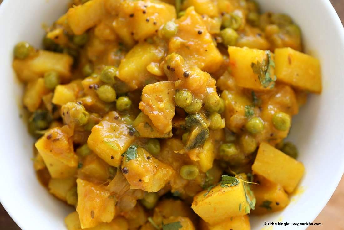 Vegan bombay potatoes and peas vegan richa more potato recipes from the blog forumfinder Images
