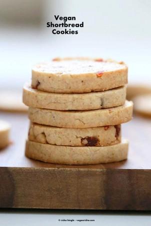 Vegan Coconut Oil Shortbread Cookies with Pumpkin Pie Spice | http://VeganRicha.com #vegan #cookie #shortbread #veganricha