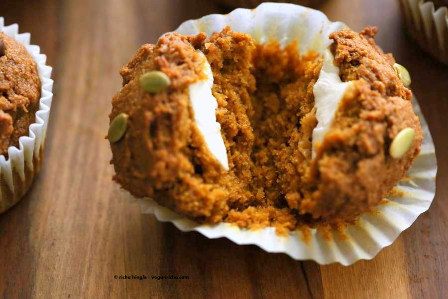 One Bowl Vegan Pumpkin Cream Cheese Muffins | http://veganricha.com #pumpkin #fall #spices #vegan #breakfast #muffin These muffins have pumpkin puree, pumpkin pie spices, all whole grain flour and are filled with vegan cream cheese in the center! One Bowl Pumpkin Muffins