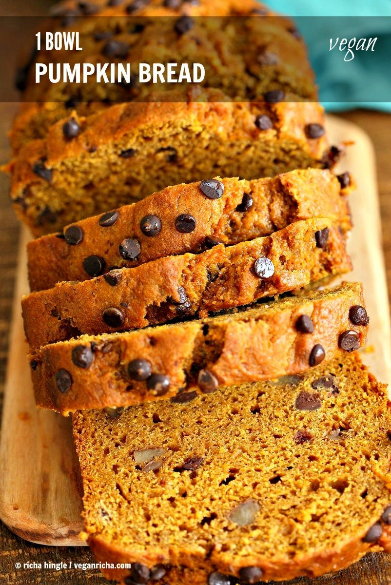 Pumpkin Bread Recipe. Easy Pumpkin loaf with pumpkin puree, pumpkin ...