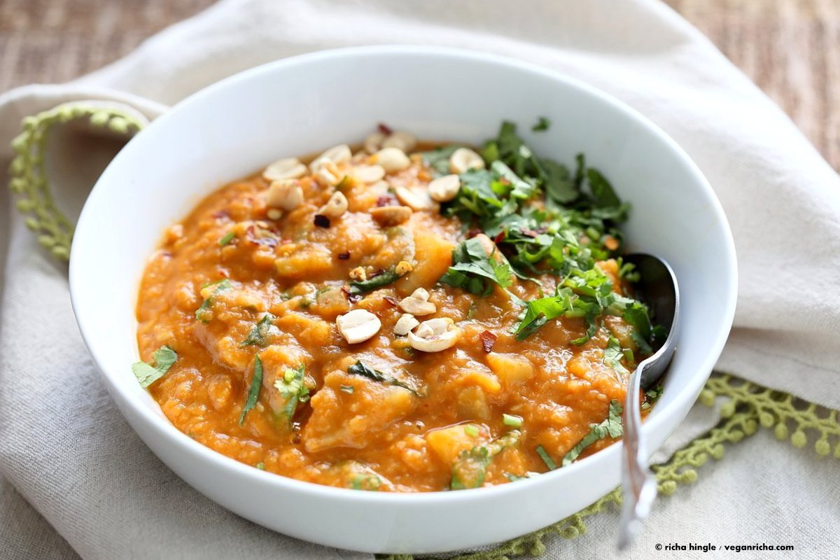 African Peanut Lentil Soup. African Peanut Stew with lentils and veggies. | VeganRicha.com #vegan #glutenfree #stew #recipe