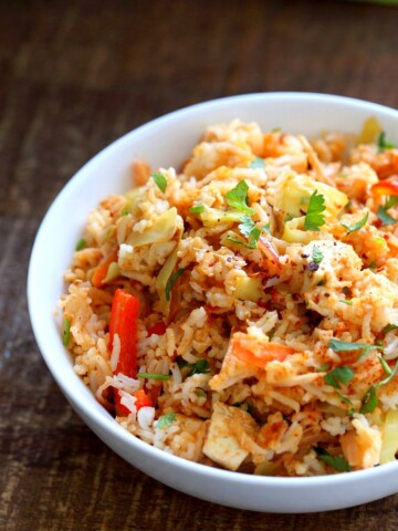Peanut Sauce Fried Rice with Tofu, Carrots, red bell pepper, Cabbage and cilantro. Use cooked chickpeas to make soy-free,   VeganRicha.com #vegan #glutenfree #friedrice #veganricha