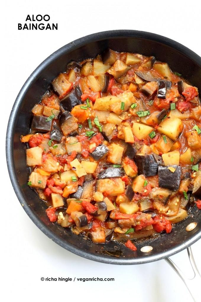 Easy Indian spiced Eggplants and Potatoes. Aloo Baingan Recipe. Curried Potato Eggplant side. | VeganRicha.com #vegan #glutenfree #Indian #eggplant #potato