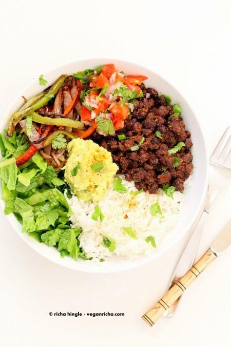 Easy Black Bean Burrito Bowl. Spicy black beans, roasted peppers and veggies, zesty guacamole, pico de gallo, fresh lettuce. DIY Burrito Bowl Chipotle style. | VeganRicha.com #vegan #glutenfree #soyfree #bowl #recipe