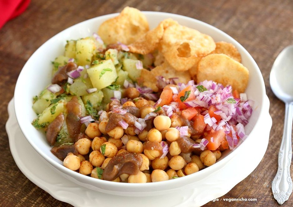 Chickpea Aloo Chaat Bowl. Mint cilantro Potatoes, spiced chickpeas, tamarind date chutney bowl with onions, tomatoes and chaat masala. | VeganRicha.com #vegan #glutenfree #soyfree #nutfree #bowl #recipe