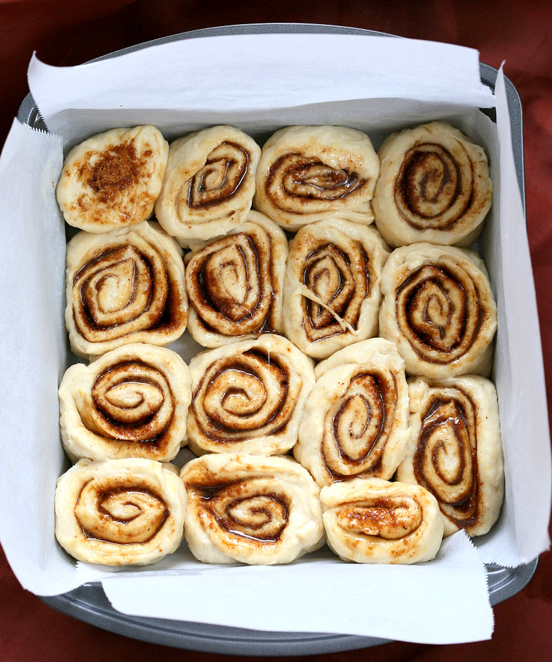 Easy Homemade 1 hour Cinnamon Rolls. Vegan Cinnamon Rolls with Cashew cream frosting. Ready in 60 minutes. Vegan Soy-free Palm Oil free Breakfast Recipe | VeganRicha.com