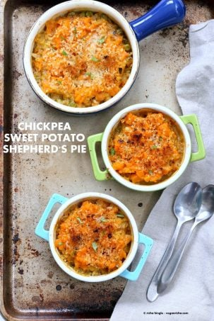 Vegan Shepherds Pie with Chickpeas and Sweet Potato mash. Crusted with breadcrumbs, garlic and herbs. 1 hour easy Vegetarian Shepherds Pie. Vegan Nut-free Soy-free Recipe. Can be gluten-free | VeganRicha.com #glutenfree #veganricha #vegan