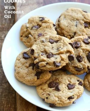 Vegan Chocolate Chip Cookies with Coconut Oil