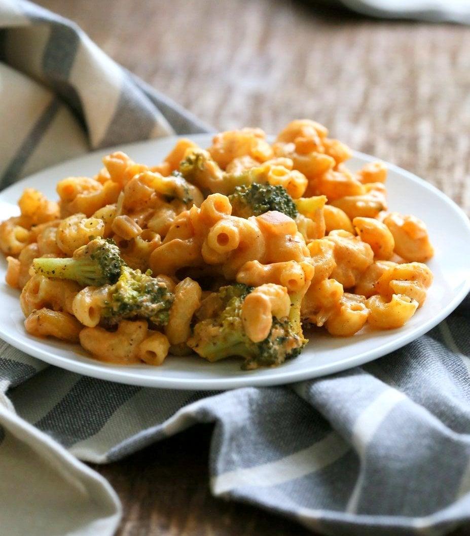Spicy Garlicky Korean Mac and Cheese with Gochujang. Use sriracha for variation. Vegan Recipe. Gluten-free with gluten-free pasta   VeganRicha.com