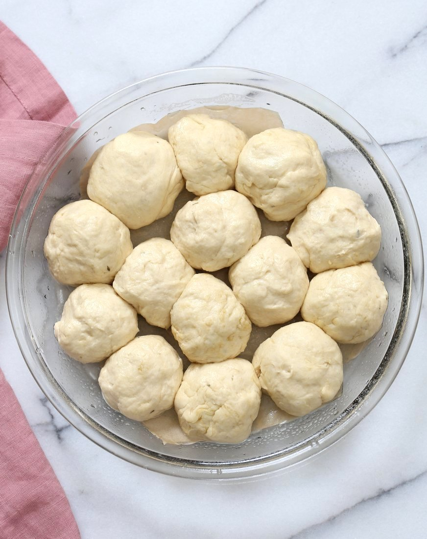 Cheesy Pull Apart Pizza Bread. Pizza Monkey bread. Add roasted veggies, olives, mushrooms to make into a pizza bake. Vegan Soy-free Recipe.   VeganRicha.com