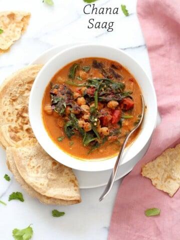 Instant Pot Chana Saag - Chickpea Spinach Curry. Easy 1 pot Chickpea Curry. Saucepan option. Vegan Gluten-free Nut-free Recipe   VeganRicha.com #glutenfree #veganricha #vegan
