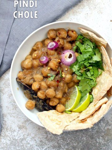 Pindi Chole - Chickpea Curry with Whole Spices. Chickpeas cooked with whole spices then added to a sauce with caramelized onions. Punjabi Chole Adapted from Rawalpindi style Chole. Vegan Gluten-free Nut-free Soy-free Recipe   VeganRicha.com