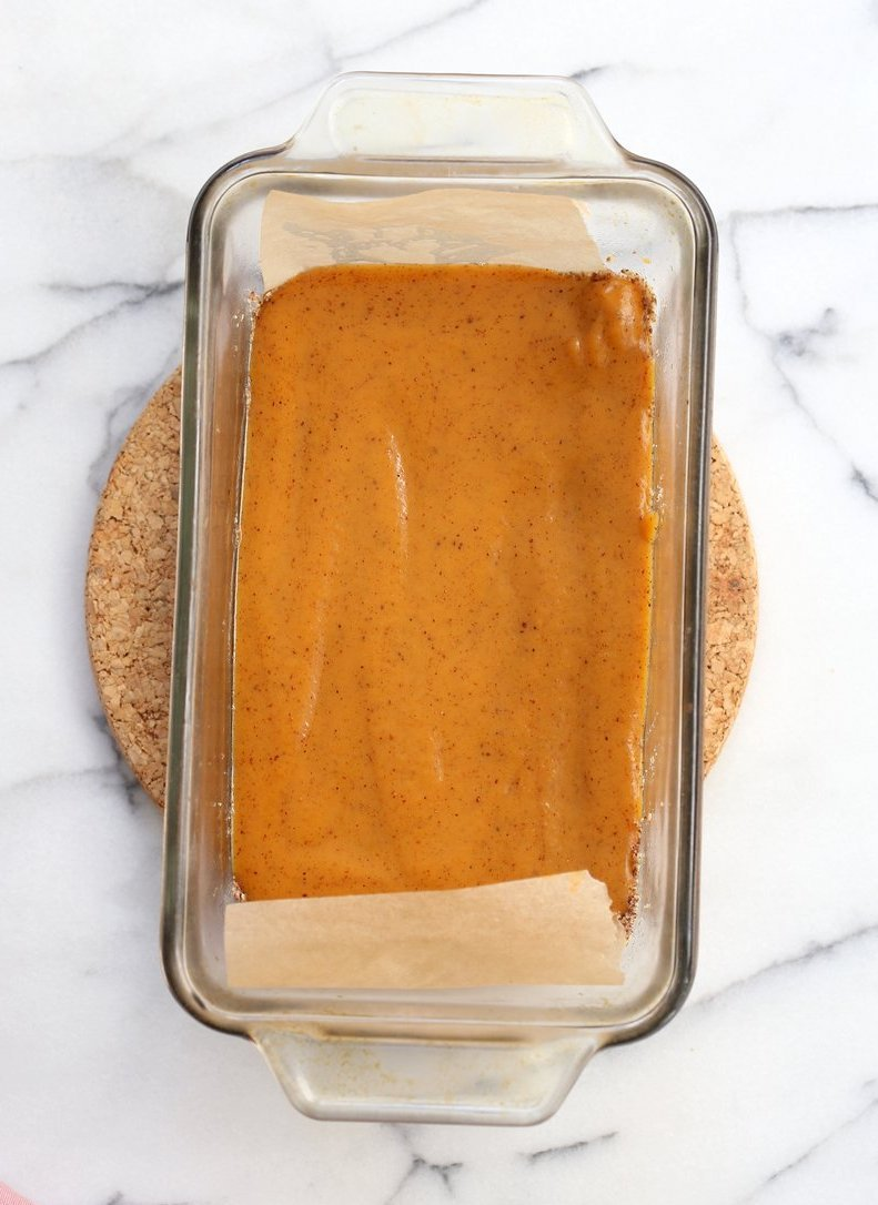 Vegan Sweet Potato Pie Bars. Spiced Sweet Potato Pie layered over cinnamony snickerdoodle crust. Make this into a pie for decadent holiday dessert. GF option   VeganRicha.com