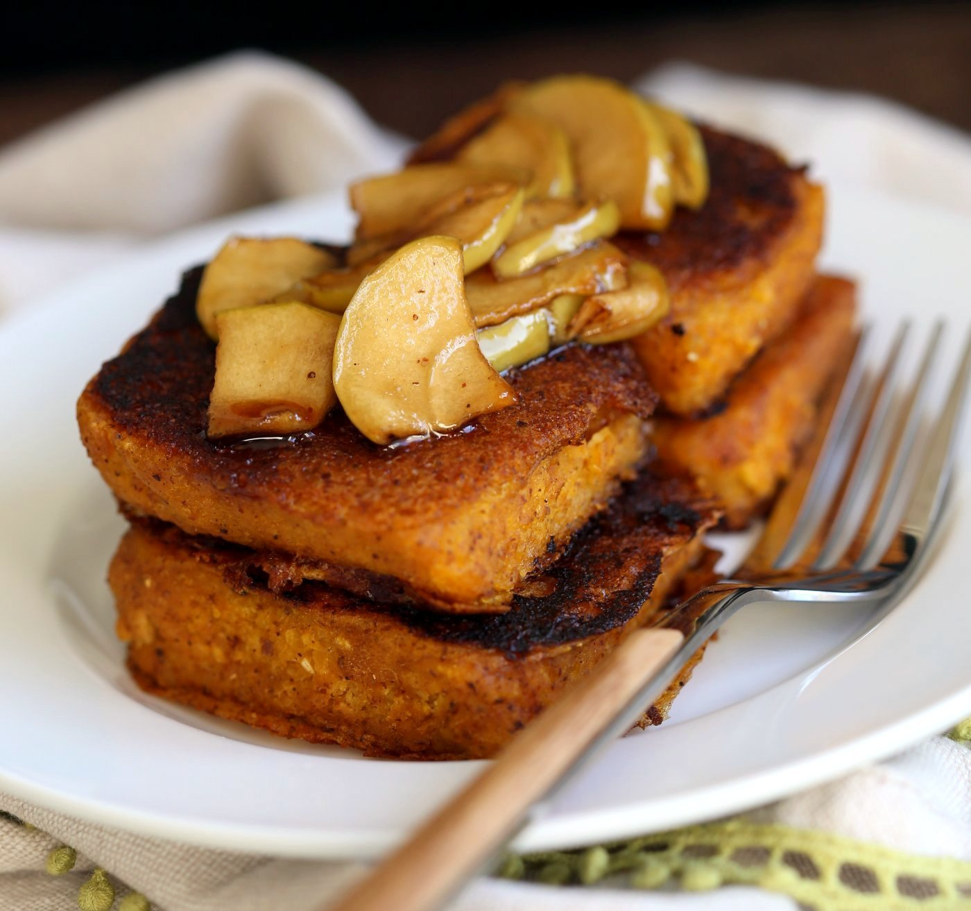 Vegan Pumpkin French Toast with Pumpkin Cornbread, pumpkin pie spices and Caramelized Apples! Breakfast for fall. Vegan Soy-free Recipe. Can be gluten-free with gluten-free cornbread #vegan #breakfast #recipe #veganricha