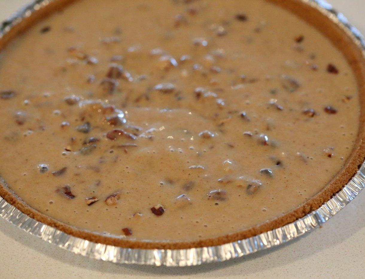 Vegan Chocolate Pecan Pie with Dates and Chai spice. All the pecan pie with chocolate. Vegan Derby Pie. Glutenfree with gf crust. Soyfree Recipe.#vegan #veganricha | VeganRicha.com