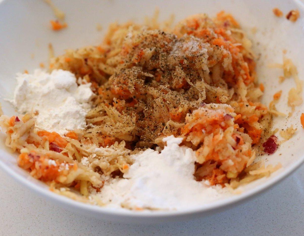 Easy Vegan Latkes. Potato & Sweet Potato Latkes. Panfried crispy latke fritters for Hanukkah. #Vegan #Glutenfree #soyfree #Nutfree #Recipe.#VeganRicha | VeganRicha.com